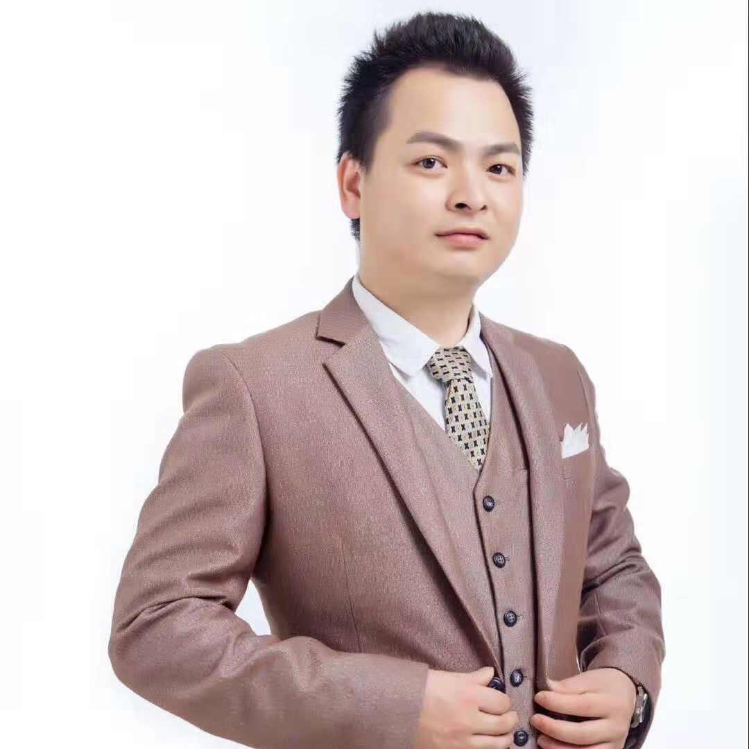 首席设计师刘伟